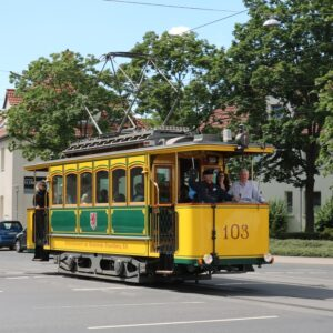 Hannover, Straßenbahn gelb, Standesamt, Hochzeitstram