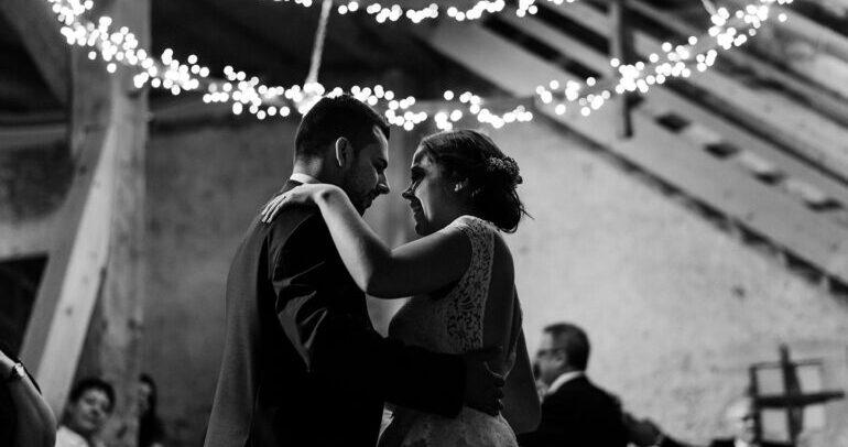 Tanzen, Hochzeitstanz, Braut und Bräutigam