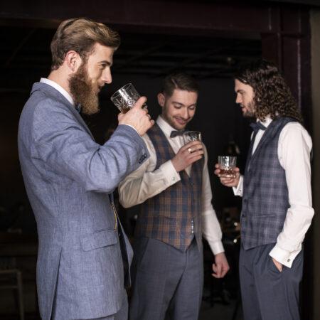 Party, Männer, Anzüge Kuhn, Hochzeitsfeier, anstoßen