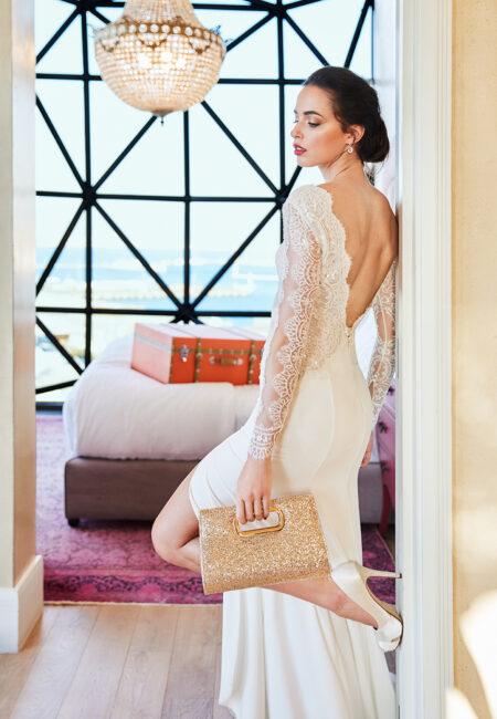 Braut, Hochzeitskleid, Brautkleid, Rückenausschnitt, Brautfrisur
